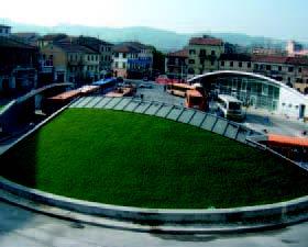 tetto verde inclinato